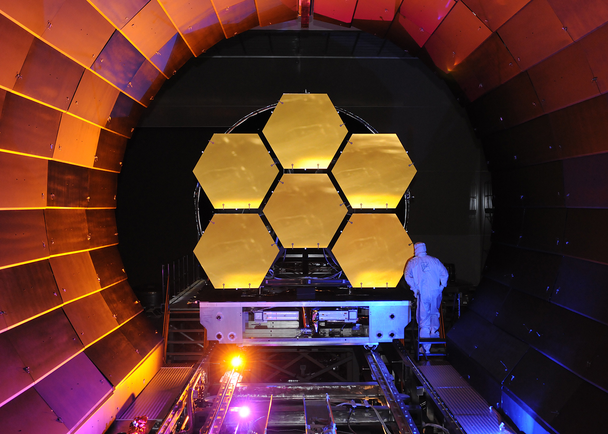 James Webb Space Telescope Mirrors Undergoing Cryogenic Testing